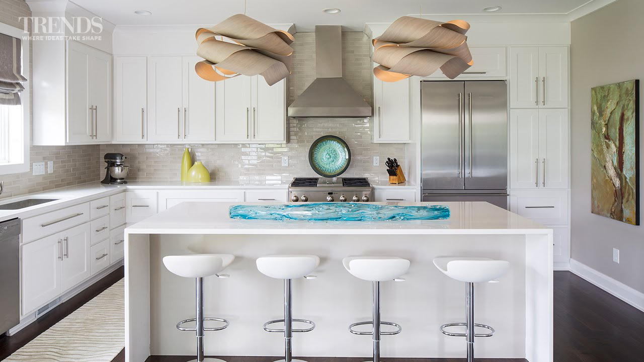 a white kitchen doesn't have to be boring - just add splashes of