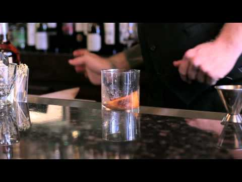How to make a (New) Old Fashioned - DrinkSkool Cocktails