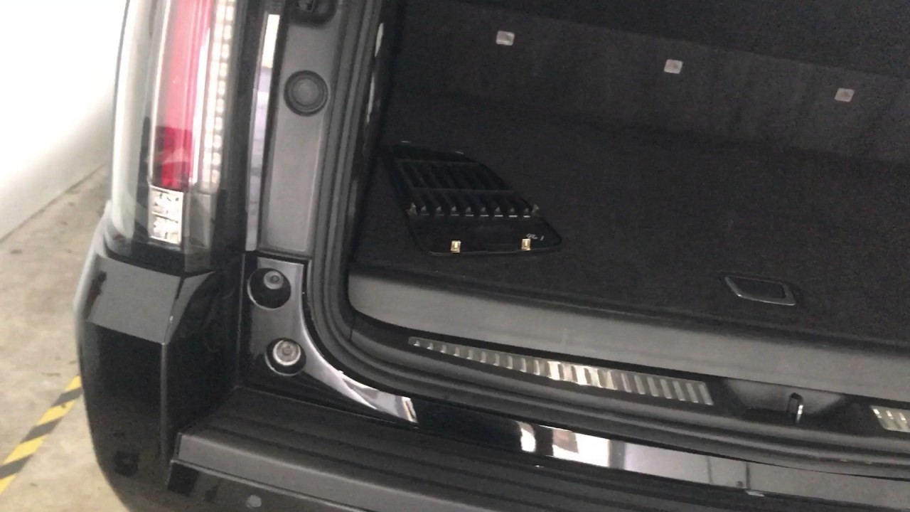 fuse box location 2015 2017 cadillac escalade caja de fusibles rh youtube com 2016 cadillac escalade fuse box location 2016 cadillac escalade fuse box location