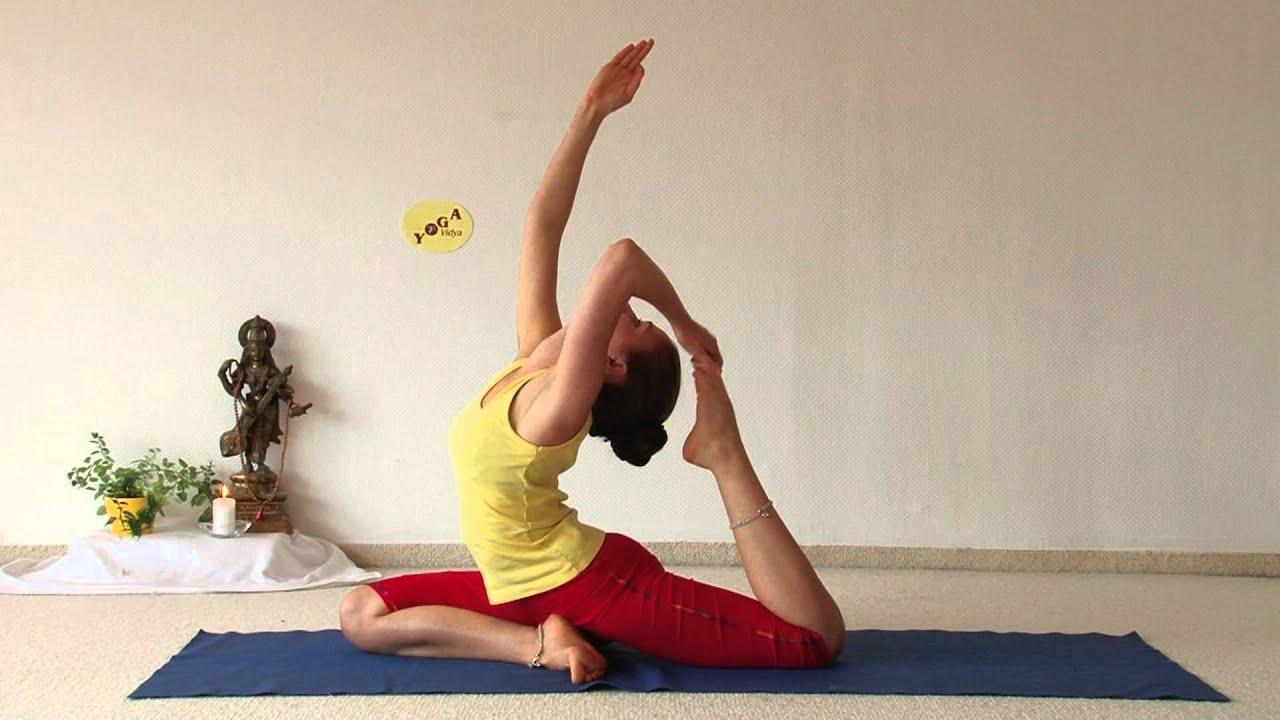 Advanced Yoga Demonstration with Aruna - YouTube