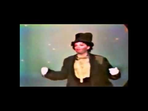 JUDY GARLAND: 'A COUPLE OF SWELLS' AT 'THE HOLLYWOOD PALACE'. 1965. VINTAGE FOOTAGE.
