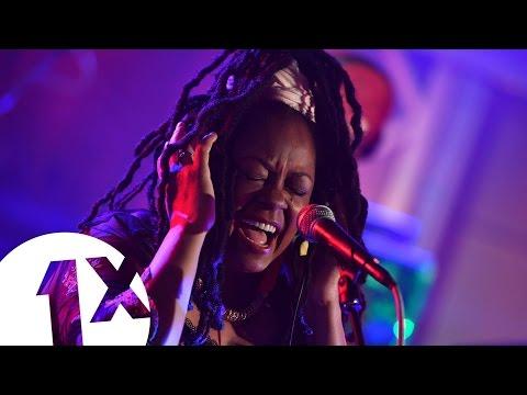 Soul II Soul - Keep On Movin' (1Xtra Live Lounge)