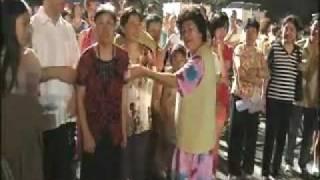 Doña Lucha Y Albertano en China (EL BAI...