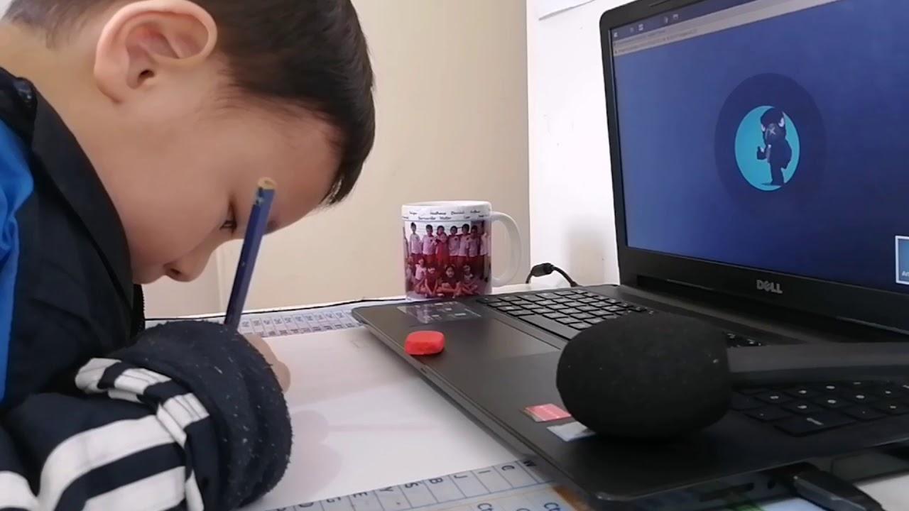 巴西葡萄牙语 发音标准的孩子们用葡语沟通