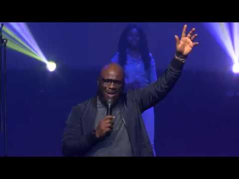 Freke Umoh Ministering Live at The Emerge Conference 2018
