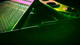 アイドルソングのすべて / 全音楽譜出版社 ] より • Piano Model: YAMAH...