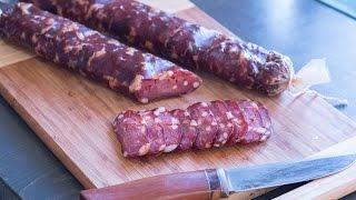 Сыровяленая колбаса из рубленного мяса