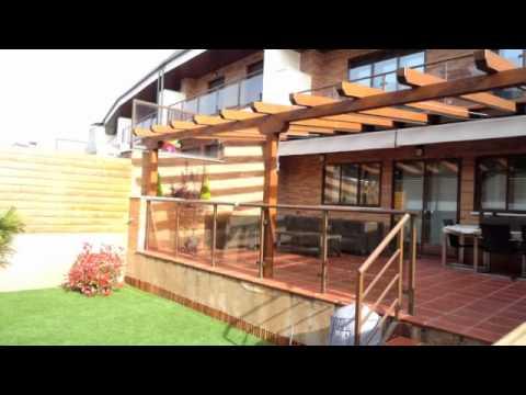 Pergolas de madera pergomadera viyoutube for Caseta jardin ergo