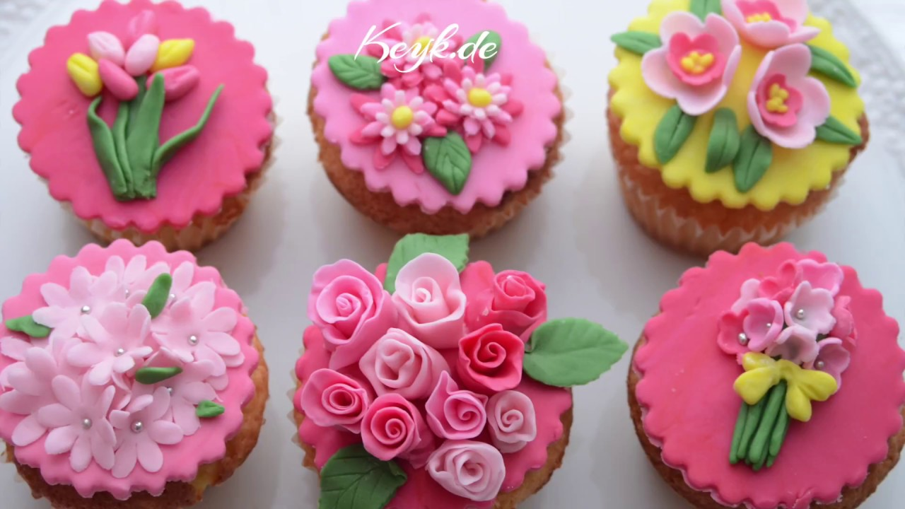 Fondant flowers - floral cupcake toppers for Mothers Day ...
