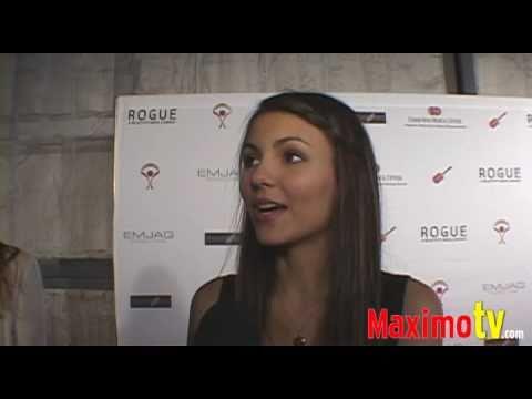 Victoria Justice Interview at ROCK-N-REEL