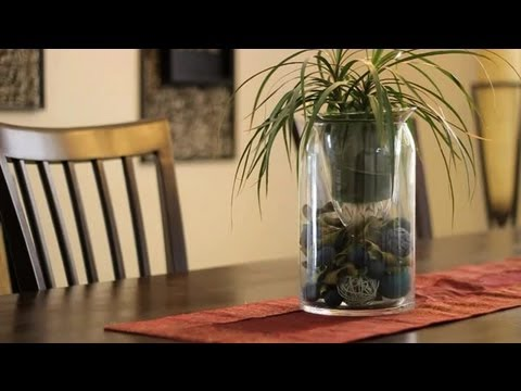 How to Fill a Glass Jar for Decoration : Decorating With Glass