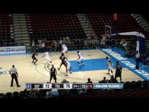 DeAndre Liggins hits two last-minute shots to send game to OT