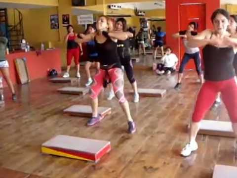 Master class gym zeus full body 1 mackey octubre 2012 for Gimnasio zeus