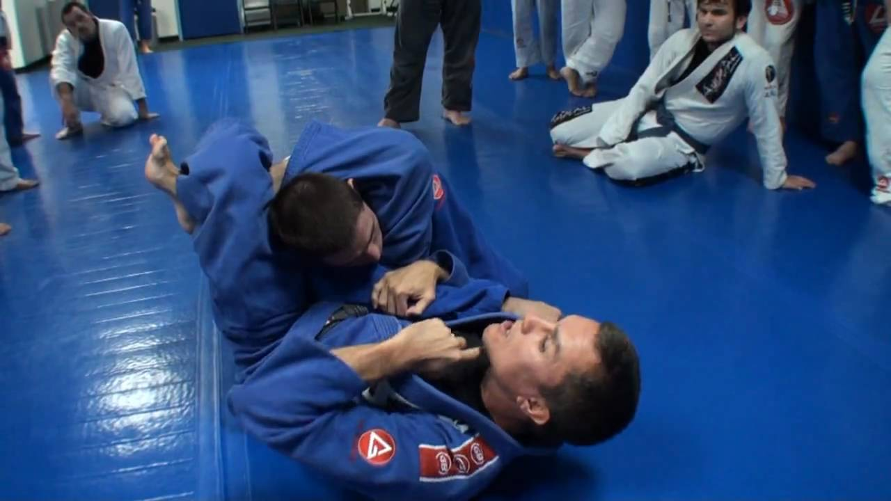 The Most Important 6 Submissions that White Belts Should