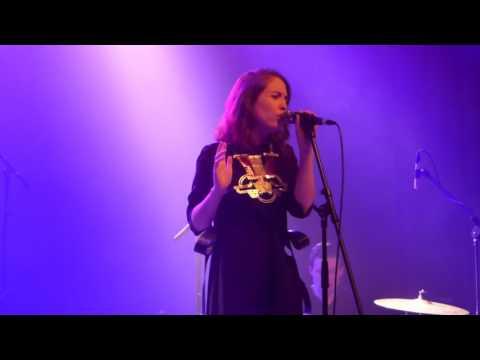Alice Merton - No Roots- Berlin 20.04.17- Huxleys