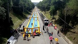 Видео: В #Харькове установили водную горку длиной в 300 метров(, 2016-06-18T15:49:22.000Z)
