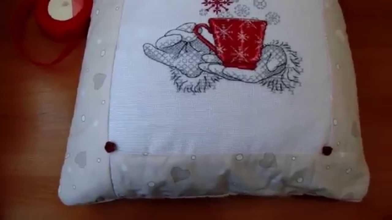 Как в подушку вставить вышивку