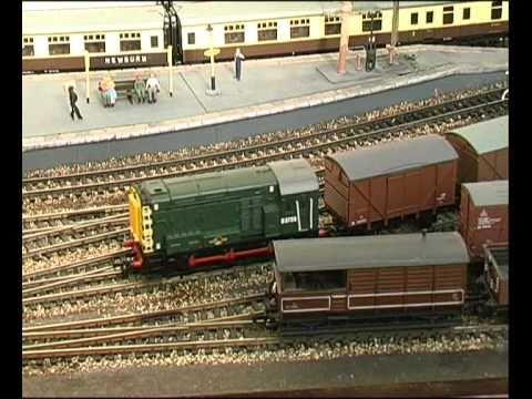00 Gauge Garden Railway GWR U0026 Southern Railways Part 2