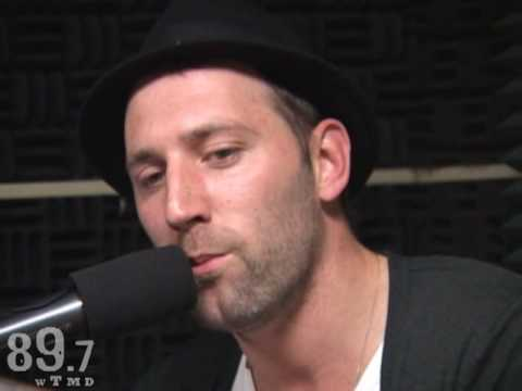 Mat Kearney performs his hit
