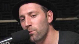 "Mat Kearney performs his hit ""Nothing Left to Lose"" at WTMD Studios"