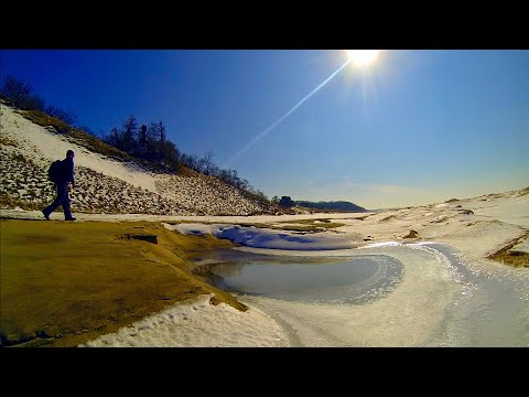 Saugatuck Dunes State Park...Lunch with a view.   HD 1080p