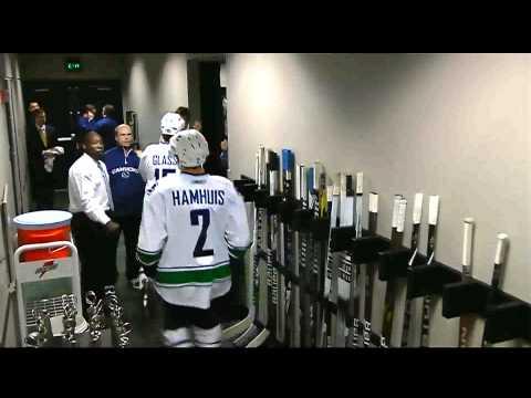 Ryan Kesler 3-2 OT Goal - Vancouver Canucks @ Nashville Predators 2011 Semifinals Game 3