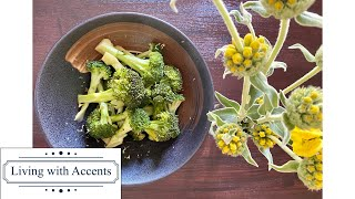 【Broccoli with Yuzu Kosho】Spicy yuzu kosho and soy sauce go well with many green leafy vegetables.