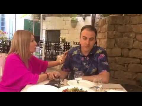 Жена Гарика Мартиросяна шутит под фото Мхитаряна с кубком Лиги Европы