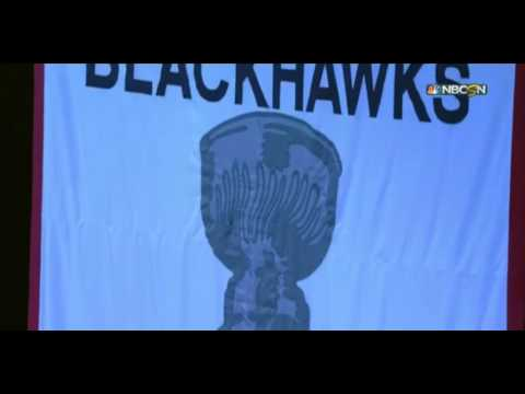 Chicago Blackhawks raise 2014- 2015 Stanley Cup Champion Banner