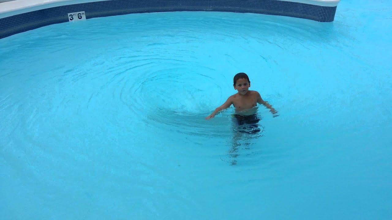 Jack off public pool