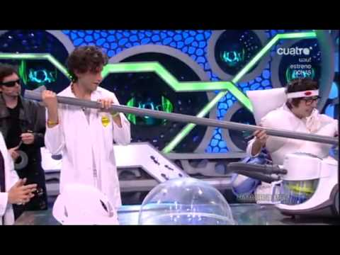MIKA on El Hormiguero - April 2010, Part 4
