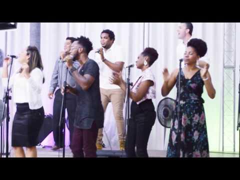 Igreja Cristã Abrigo Aniversário de 5 anos Abrigo Choir Deus É