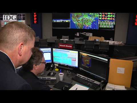 Ask the Captain: What airline dispatchers do; plus, how ground crews know when to move in