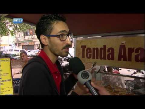 Refugiado hostilizado recebe mensagens de apoio no Rio de Janeiro