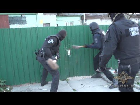 Полиция взяла штурмом