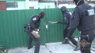 Полиция взяла штурмом наркопритон