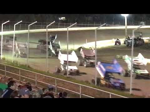 World of outlaws sprint cars black hills speedway. Rapid city. 8/25/17