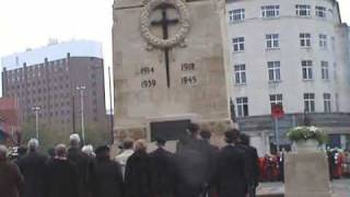 Remembrance Sunday - 2 minutes silence & Last Post at Bristol Cenotaph 2009