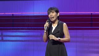 อย่าให้รักเดียวเป็นเรื่องมหัศจรรย์ | NAPAPORN TRIVITWAREEGUNE | TEDxBangkok