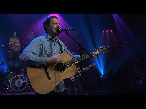 "Sturgill Simpson on Austin City Limits ""Listening To The Rain"""