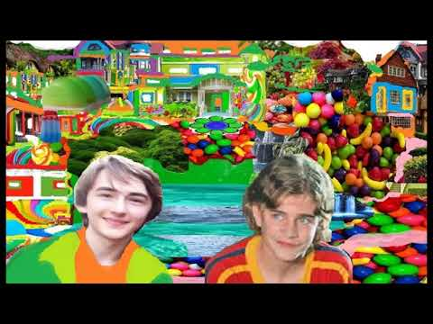 Isaac hempstead wright,Chris Makepeace ,and friends in Cool groovy town!