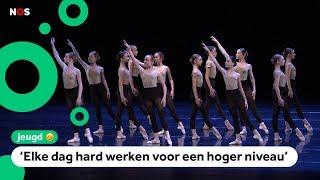 Jonge balletdansers geven eindoptreden op groot podium