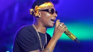 Wizkid Goes Crazy As He Performs