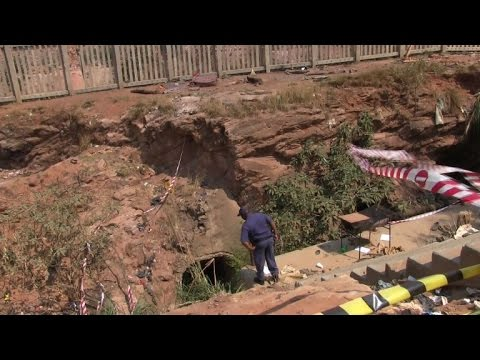 Illegal miners trapped in disused S.Africa gold mine