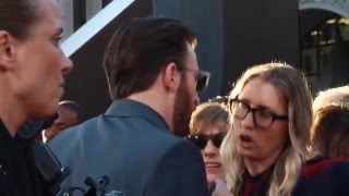 Download Video Chris Evans gets mad with his publicist, check it out ! MP3 3GP MP4