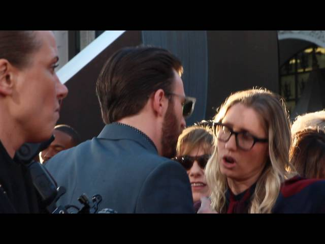 Chris Evans gets mad with his publicist, check it out !