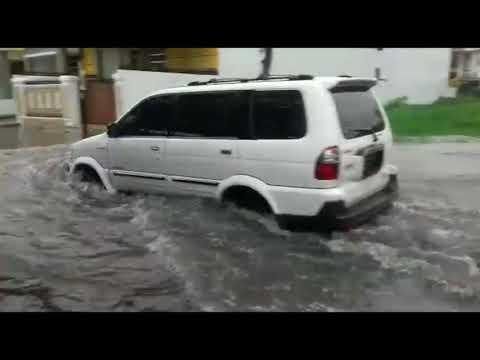 Kebanjiran Jl Seroja Medan Sunggal Akibat Satu Jam Diguyur Hujan