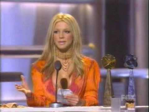 [B. Spears] Billboard Awards 2000 - Receiving album of the year award