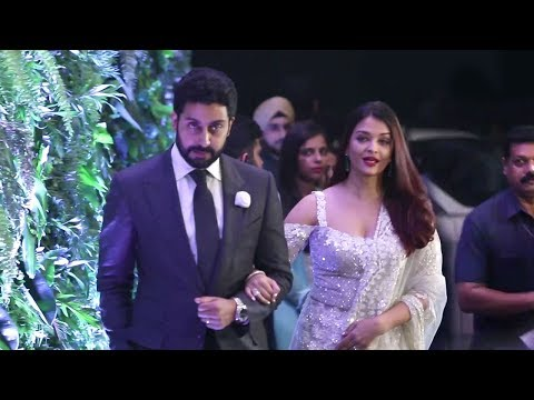 LIVE Aishwarya Rai & Abhishek Bachchan's GRAND Entry At Virat Kohli Anushka Sharma Wedding Reception