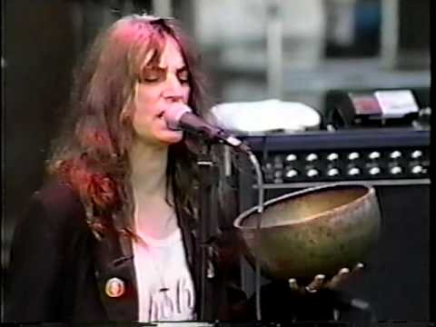 "Patti Smith's Cover of Nirvana's ""Smells Like Teen Spirit"" Strips the Song Down to its Heart"